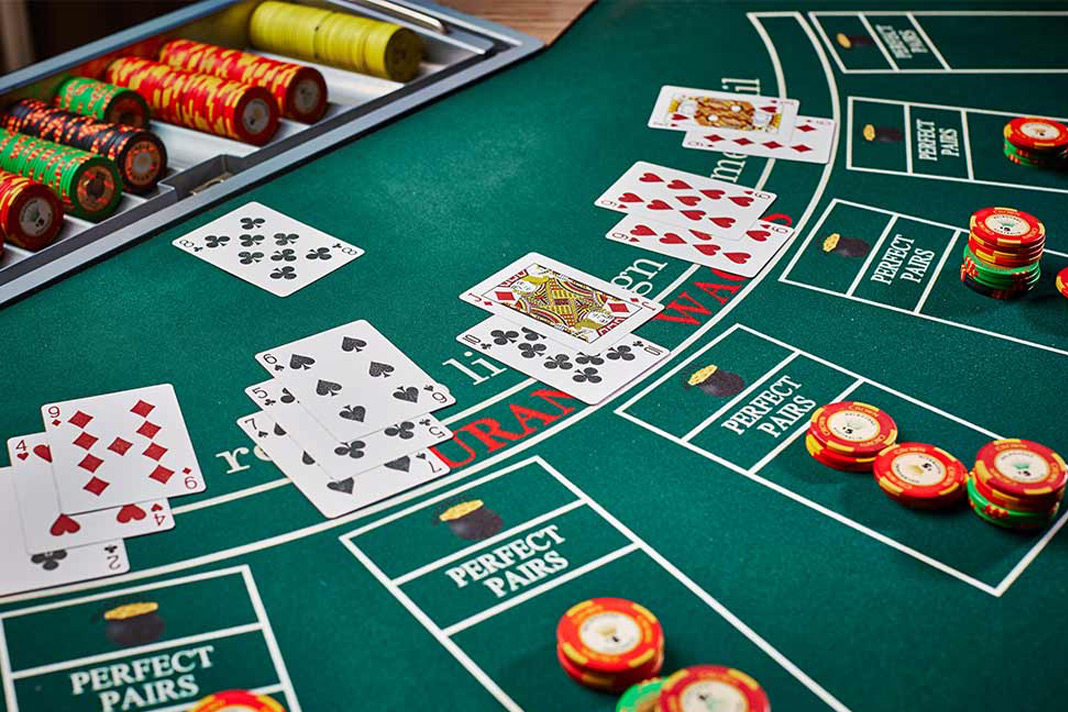 Playing Online Poker – Defying Odds of Making the Stable Income