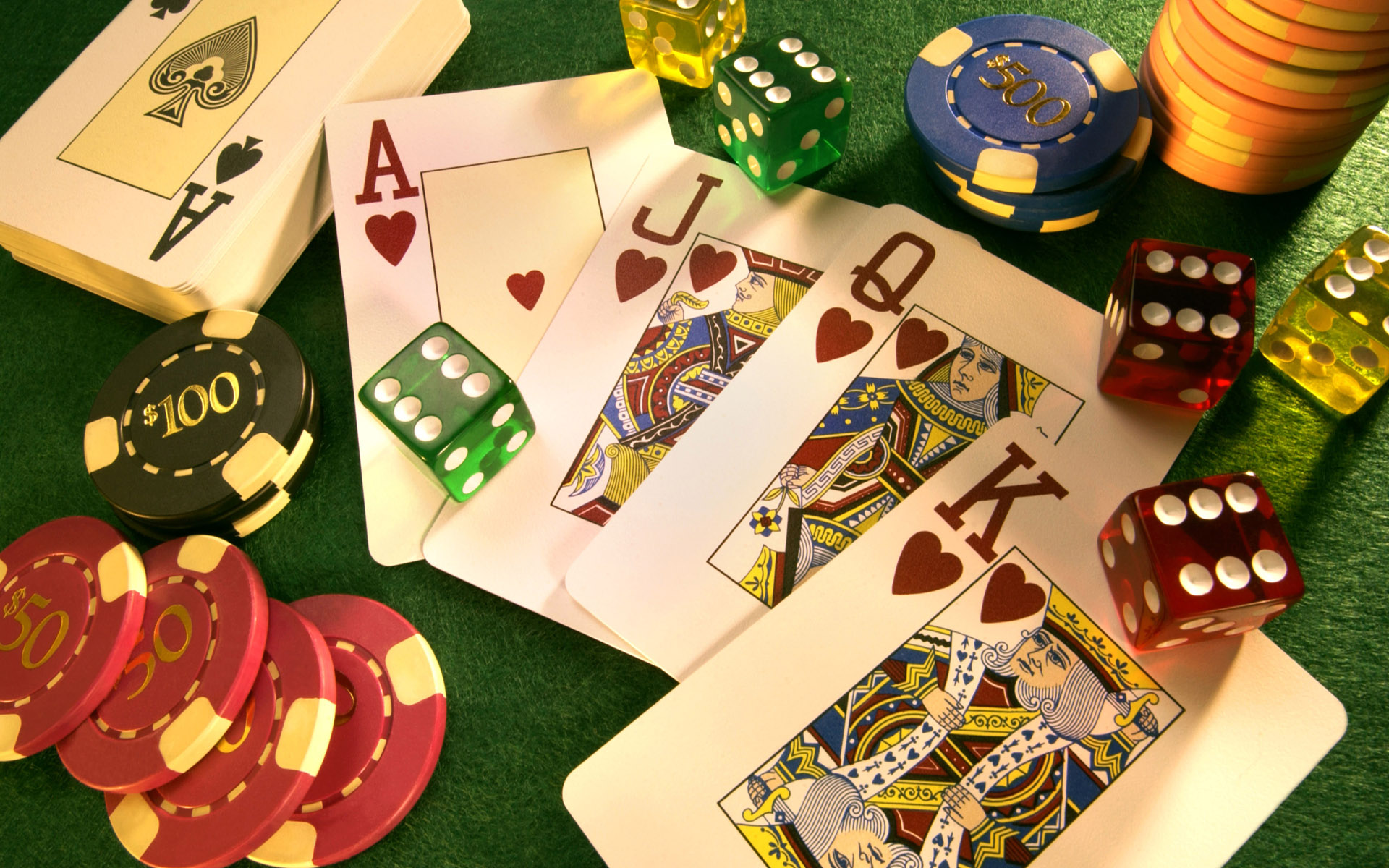 Some Advantages Of Play Online Slots At Casinos